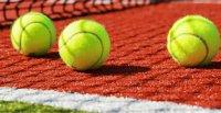 Všechny tenisové kurty v provozu